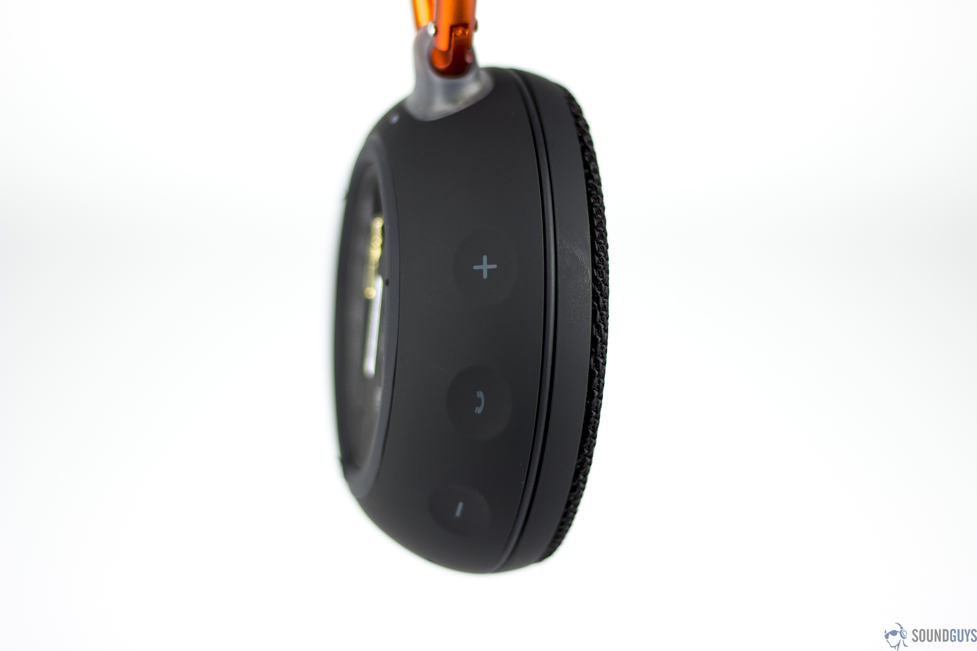 On its side, the JBL Clip 2 has volume and playback controls, so you