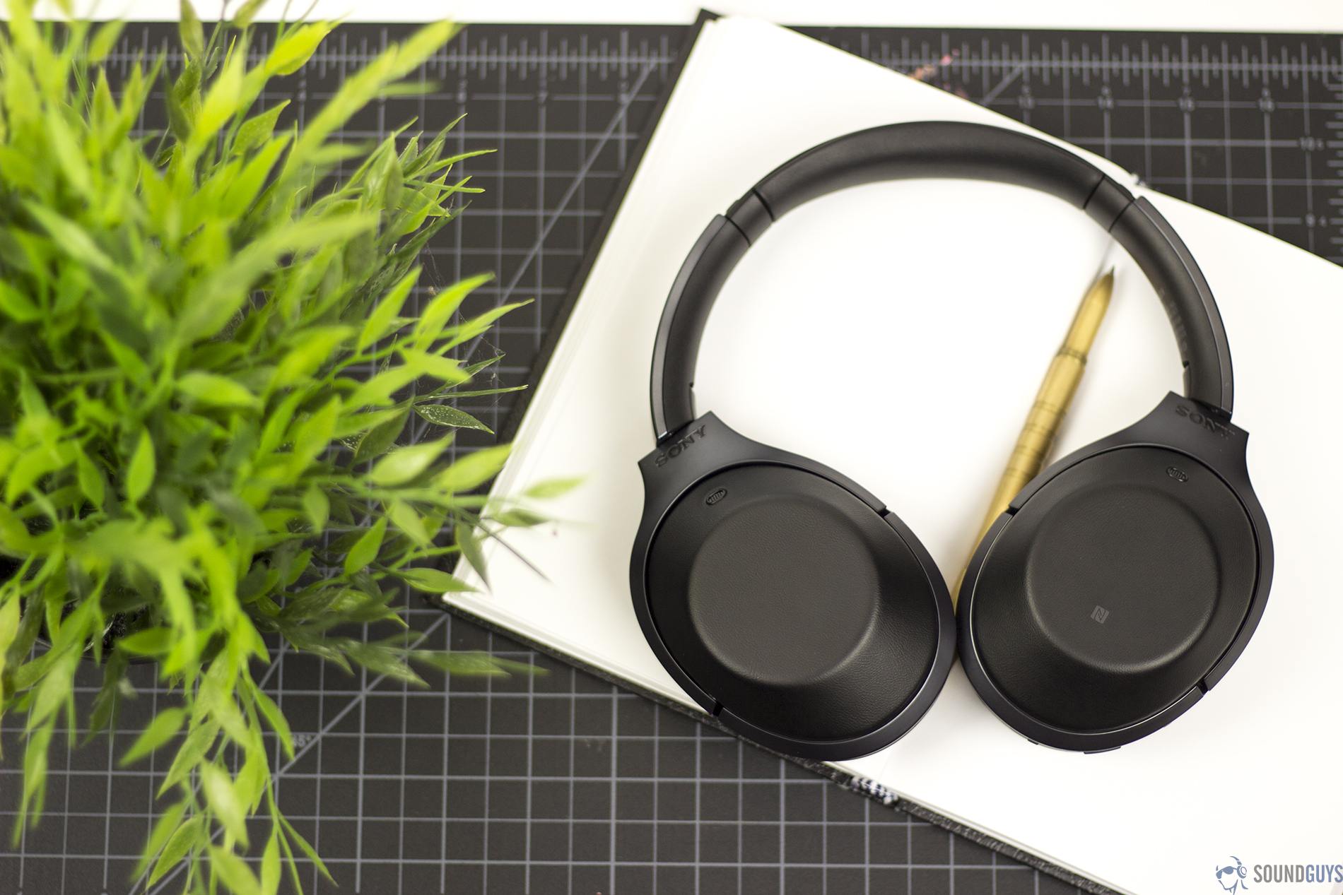 Sony Mdr 1000x Review Soundguys Noice Cancelling Bluetooth Headphone A Photo Of The Best Active Noise Canceling Headphones Candidate And