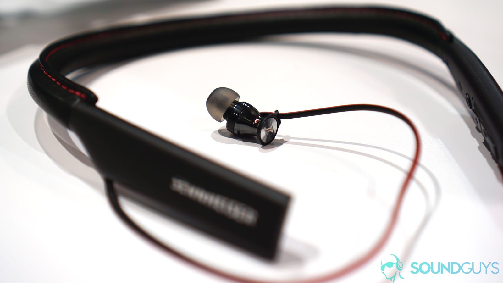 5 reasons you should totally buy Bluetooth headphones