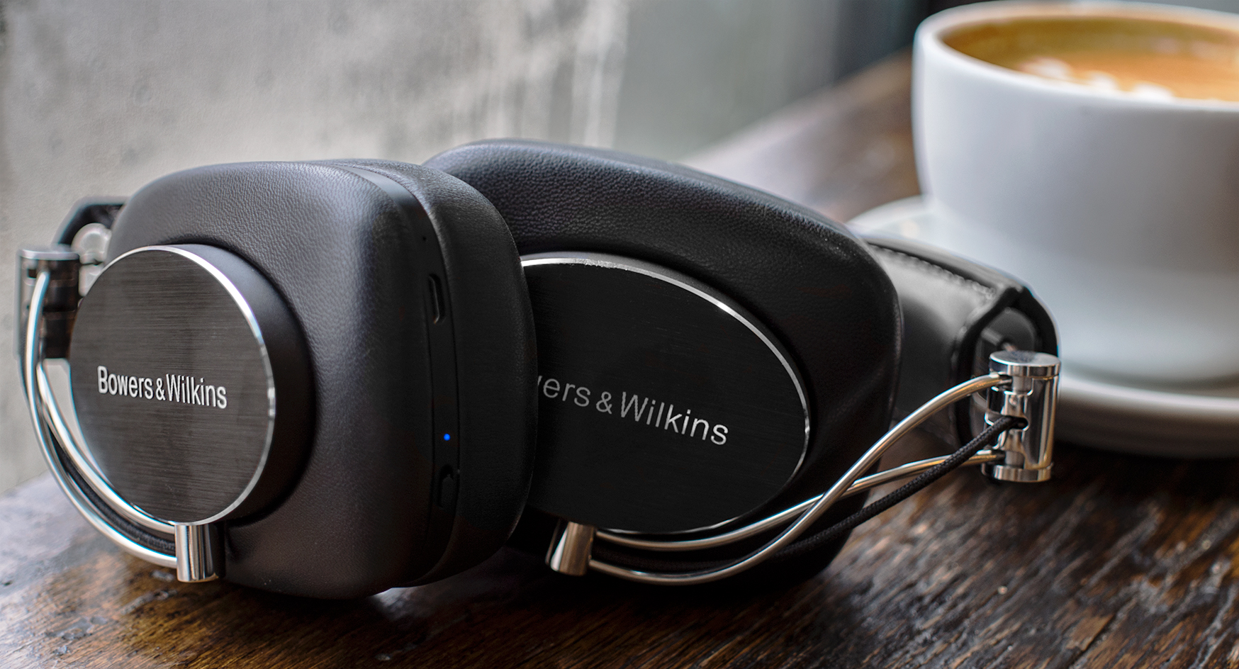 Open back vs closed back headphones: which are right for you