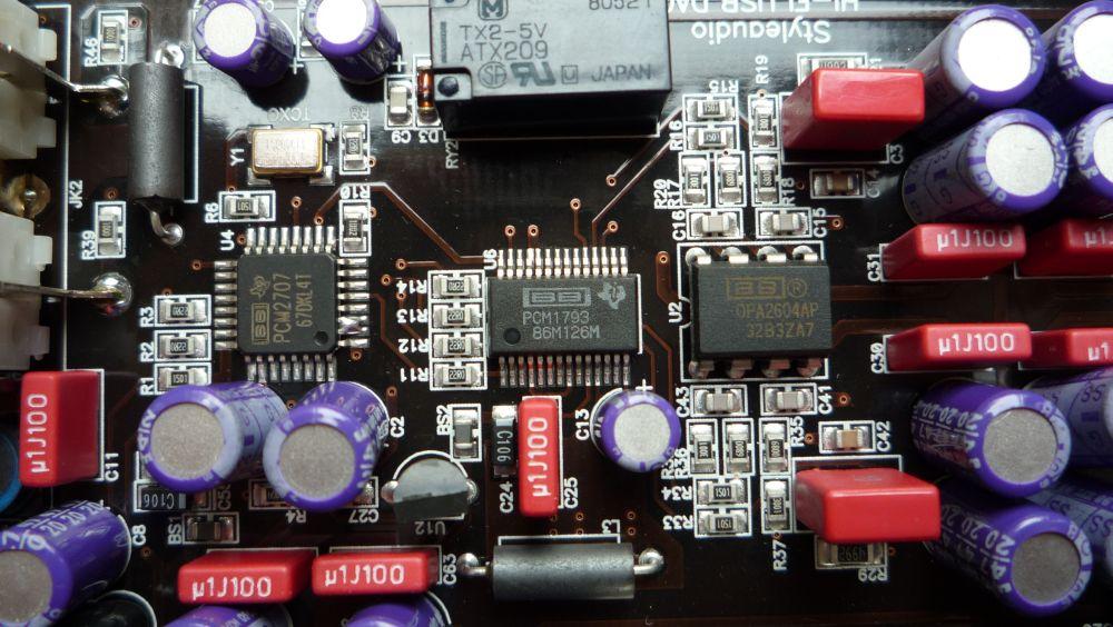 A photo of a DAC chip taken by Flickr user bearmann.
