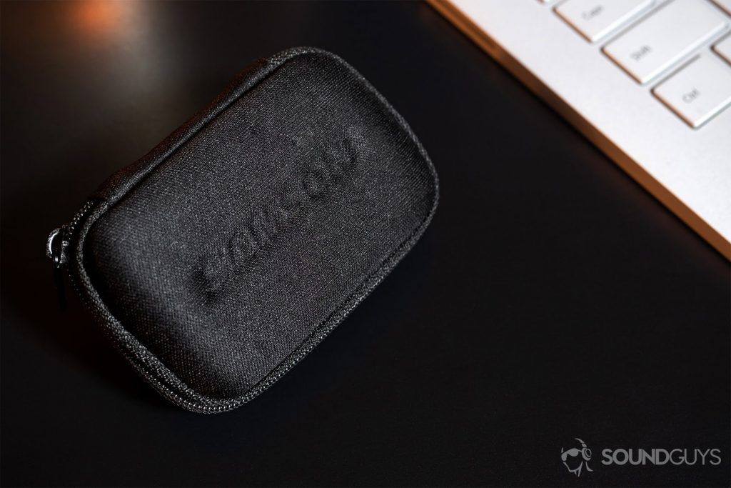 Samson Go Mic: Image of the zippered carrying case.