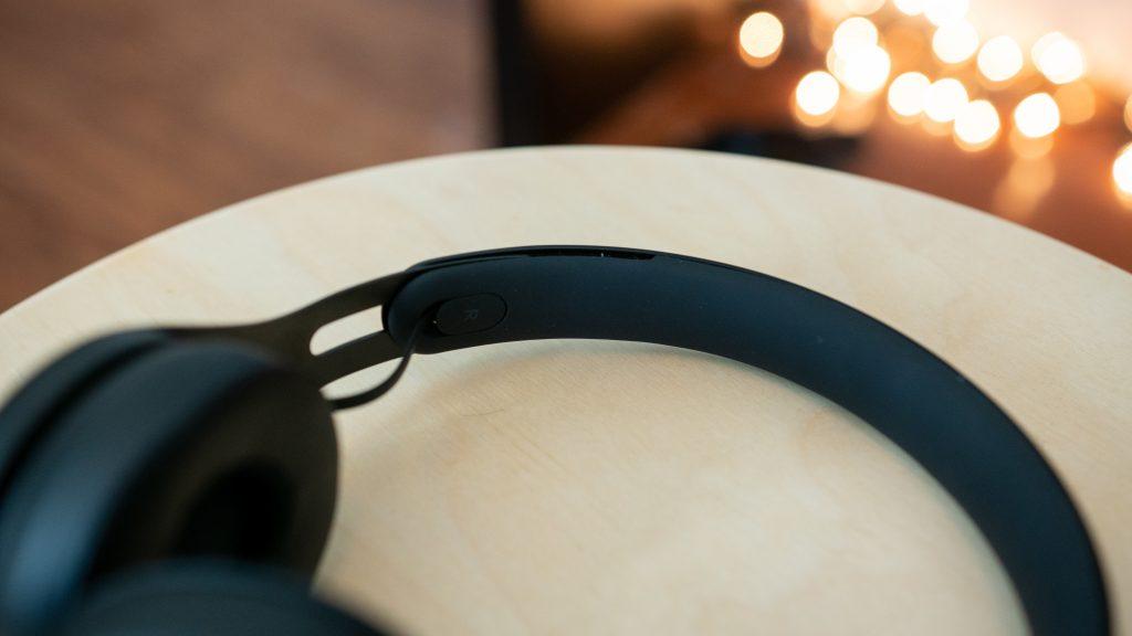 Close-up of the Beats EP headband.